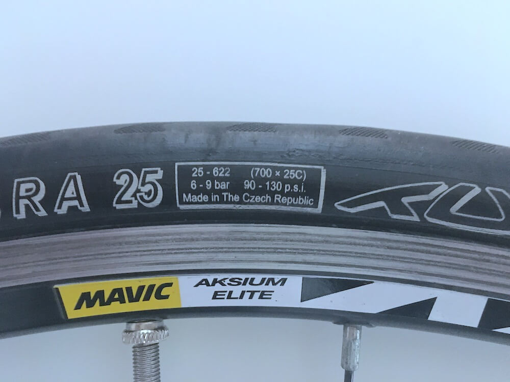 Tufo Calibra 25 road bike tire