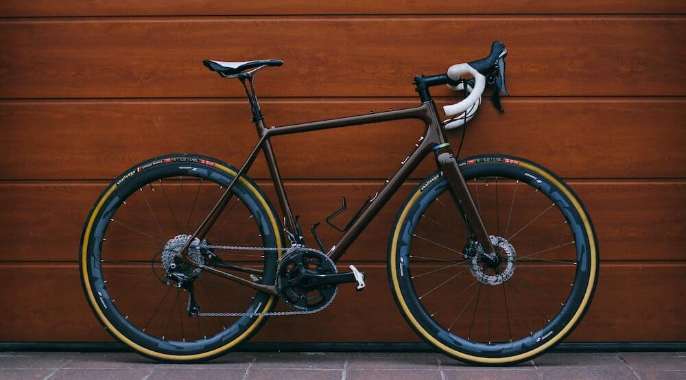 Carbon road bike with disc brakes